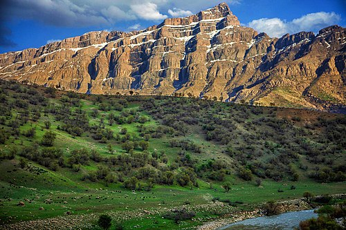 Oshtaran Mountains, Lorestan, Iran.jpg