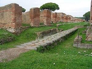 Vista di Porta Marina ad Ostia.