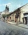 Pápa, Korvin utca a Fő tér felé nézve, háttérben a Nagytemplom. Fortepan 51004.jpg