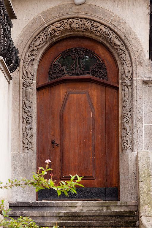 File pl ds wroc aw ul jastrz bia 18 20 willa drzwi for Drzwi z portalem