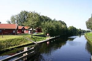 Paddel-und-Pedal-Station am Ems-Jade-Kanal