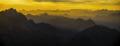 Panorama dal Mangart al tramonto verso le Dolomiti.png