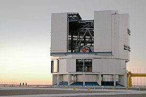 Altazimuth mount - Image: Paranal opendome