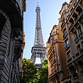 Paris Eiffelturm Frontansicht.jpg