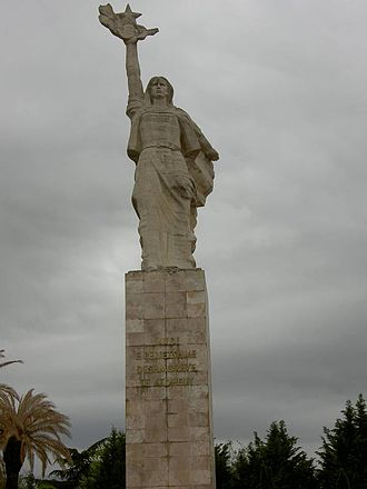 Mother Albania (statue) - Image: Partisan monument in tirana