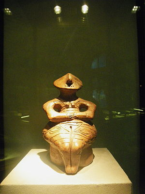 "Gumelnița–Karanovo culture - The enthroned ""Lady of Pazardžik"" of the Karanovo VI culture (c. 4500 BC)"