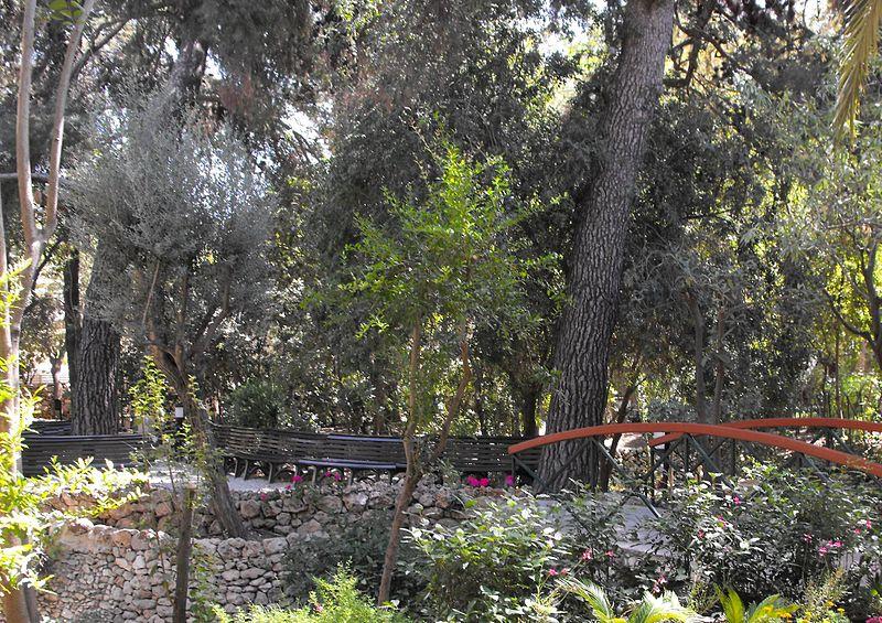 File:PikiWiki Israel 22082 The Garden Tomb - East Jerusalem.JPG