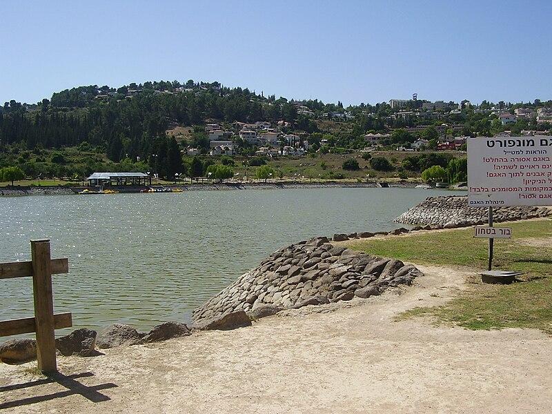 אגם מונפורט במעלות