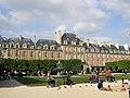Place Vosges Paris Mai 2006 006.jpg