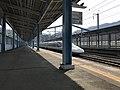 Platform of Shin-Iwakuni Station 7.jpg