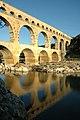 Pont du Gard Aqueduc romain de Nîmes.jpg