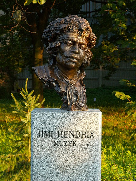 Ficheiro:Popiersie Jimi Hendrix ssj 20060914.jpg