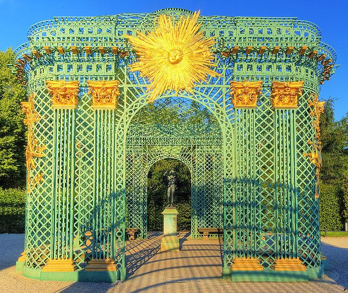 Файл:Potsdam-Sanssouci-Gitterpavillon.jpg