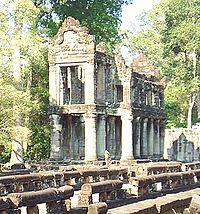 Templo de columnas en Preah khan