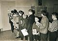Pred knjižnico polulske šole v Celju 1964.jpg