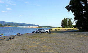 Fishermen along the Columbia River at Prescott Beach County Park