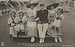 Preußische Prinzen und Prinzessinnen bei der Dampferfahrt, c. 1915.jpg