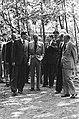 Prins Bernhard wordt rondgeleid, Bestanddeelnr 930-2601.jpg