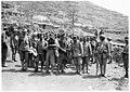 Prisonniers autrichiens capturés sur la cote 208 sud - Médiathèque de l'architecture et du patrimoine - AP62T104641.jpg