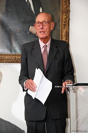 Professor Roger Williams CBE.jpg