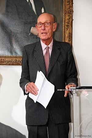 Professor Roger Williams CBE.jpg