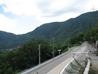 Rampe de Laffrey - View of the roadway near the town of Notre-Dame-de-Mésage
