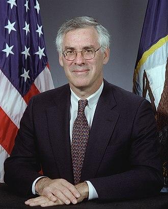 Richard Danzig - Image: Richard Danzig, official Navy photo