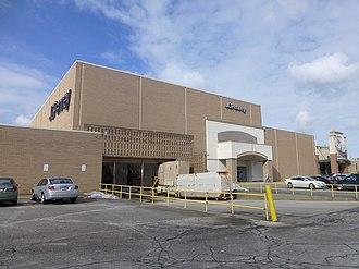 Richmond Heights, Ohio - Richmond Town Square shopping mall
