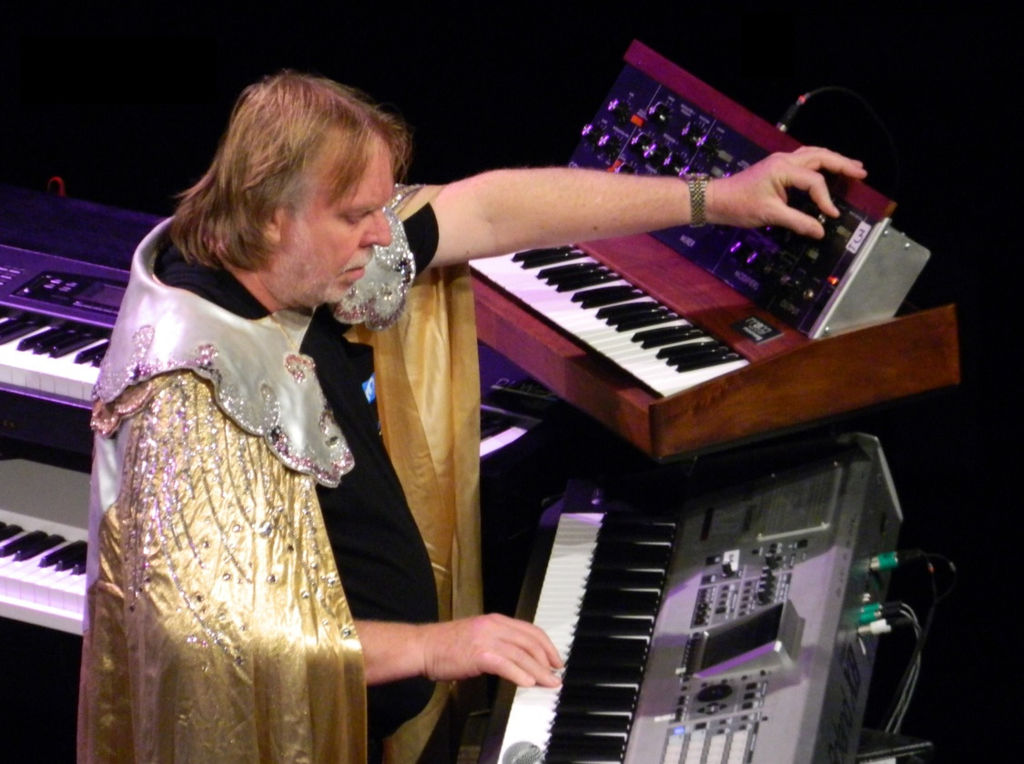 Wakeman playing keyboards