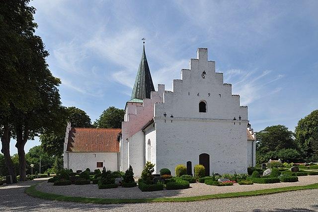 Лишь каждая третья пара молодожёнов в Дании венчается в церкви