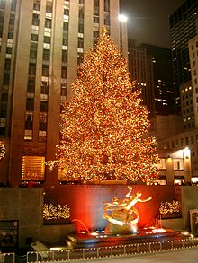 the rockefeller center christmas tree in new york city decorations
