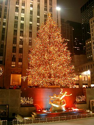 The Christmas tree at Rockefeller Center in Ne...