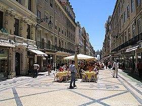Lizbon'un merkezinde Rua Augusta.