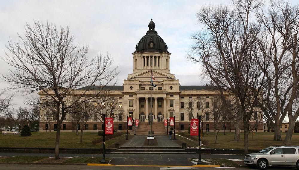 The population density of Pierre in South Dakota is 403.13 people per square kilometer (1044.07 / sq mi)