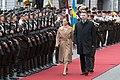 Saeimas priekšsēdētāja piedalās Zviedrijas kroņprinceses un prinča oficiālajā sagaidīšanas ceremonijā (41693107022).jpg