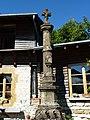 Saint-Loup-Terrier (Ardennes) croix dans le village.JPG