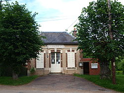 Saint-Martin-sur-Ocre-FR-89-Jeuilly-la mairie-03.jpg