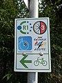 Schilder Radwege (Hoym).jpg