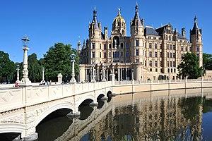 English: Castle bridge Schwerin with castle; M...