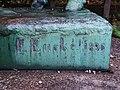 Schlosspark-Bellevue Fuchsiengarten Knabe-mit-Pony 9.jpg
