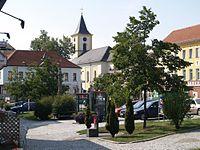 Schrems stadtplatz kirche.jpg