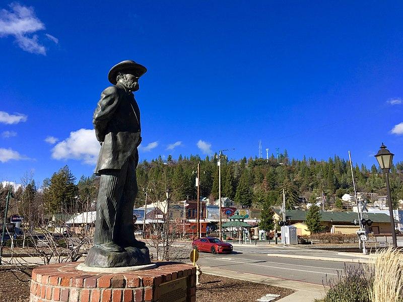 File:Schuyler Colfax Statue.jpg