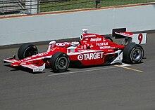 Scott Dixon alla guida della Dallara del team Ganassi ad Indianapolis
