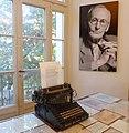 Scrivania Hesse.jpg