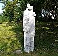 Sculpture in Wagrowiec (lake) (zakochani).jpg