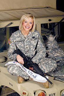 Female Recipient Of Combat Medical Badge - COMBAT / EXPERT