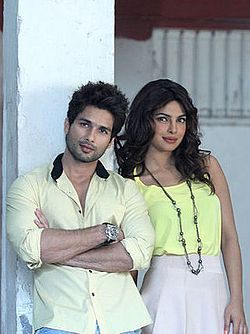 Shahid Kapoor and Priyanka Chopra are looking towards the camera