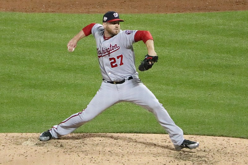 File:Shawn  Kelley pitching on July 13, 2018 (2) (cropped).jpg