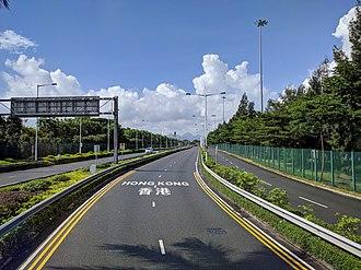 Hong Kong–Shenzhen Western Corridor - Image: Shenzhen Bay Bridge To HK on Shenzhen Side