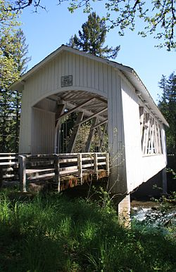 Short Covered Bridge South Santiam River.jpg